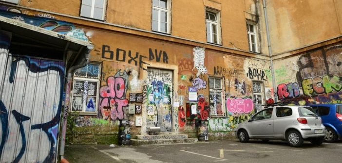 Matej T. Vatovec: Poziv k odstopu od deložacije nevladnikov z Metelkove
