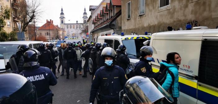 Levica Ljubljana: Obsodba rušenja Tovarne Rog